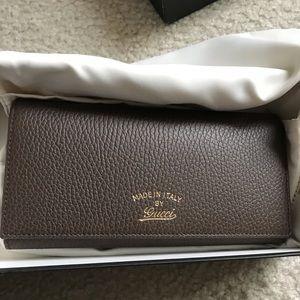 NWOT Gucci wallet